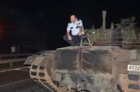 Halkın Durdurduğu Tankların İçerisindeki Askerler Polis Tarafından Gözaltına Alındı