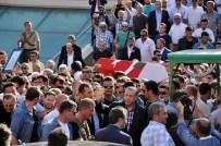 YENİ ŞAFAK GAZETESİ - Cumhurbaşkanı Erdoğan Reklamcı Erol Olçak'ın Cenazesinde Gözyaşlarına Boğuldu