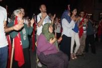 Hatay'da Siyasiler, STK'lar Ve Vatandaşlar Demokrasi İçin Birlik Oldu