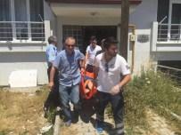 EVDE TEK BAŞINA - İntihara Kalkışan Kadını Polis Kurtardı