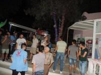 ŞEHİTLİK ABİDESİ - Parkı Basıp Terör Estirdiler