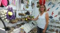 Burhaniye'de Hanımlar Hem Üretiyor, Hem Satıyor