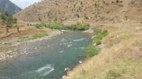 RAFTİNG HEYECANI - Pet Şişe Dolu Torbayla Rafting Heyecanı