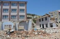 TAHSIN KURTBEYOĞLU - Söke'de 63 Yıl Eğitime Hizmet Veren Okul Binası Yıkıldı