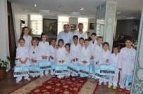 Başkan Üzülmez, Minik Karatecileri Konuk Etti
