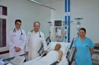 93 Yaşındaki Riskli Hastanın Kalp Damarları Aynı Seansta Açıldı