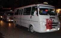 KARAALI - Adıyaman'da Minibüs Şoförleri Demokrasi Konvoyu Düzenledi