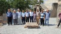 MEHMET METIN - Balıklı İle Şenlikçe Köyünün Yolları Yapılıyor