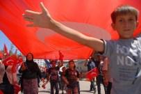 Diyarbakırlılar Türk Bayrakları İle Sokakları İnletti