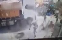 KAMYON LASTİĞİ - Hava Bastığı Lastik Patladı, Hayatını Kaybetti