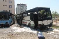 İŞÇİ SERVİSİ - Dörtyol'da Park Halindeki 2 Otobüs Yandı