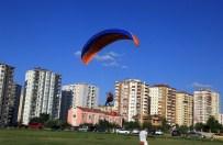 ZEKERIYA GÜNEY - Talas'ta Darbeye Gökyüzünde Bayraklı Tepki