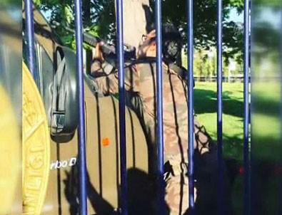 Beştepe'de darbeci askerlerle çatışma anı
