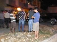 Burhaniye'de Yoldan Çıkan Otomobil İki Araca Çarptı