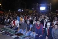FEVAI ARSLAN - Düzceliler Sabah Namazını Anıtpark'ta Kıldı