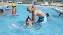 Burhaniye'de Çocuklar Havuz İle Tanıştı