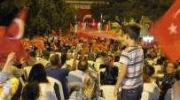 Burhaniye'de Demokrasi Nöbetinde Dualar Yapıldı Ve Aşure Dağıtıldı