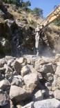 YAVAŞLAR - Demirci'nin Yollarında Genişletme Çalışması Yapılıyor