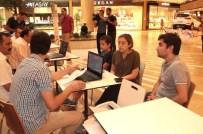 DOĞRU TERCİH - Piazza'da YGS-LYS Tercih Danışma Merkezi Kuruldu