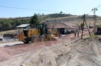 ESKIGEDIZ - Eskigediz İle Eceköy Ve Sazak Köyleri Arasında Yol Yapım Çalışması