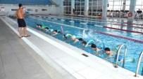 YÜZME KURSU - Pursaklar'da Yüzme Kursuna Büyük İlgi