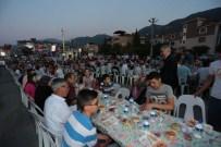 BAĞBAŞı - Denizli Büyükşehir İftarı Bağbaşı'nda Kuruldu