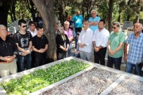 KEMAL SUNAL - Kemal Sunal, Mezarı Başında Anıldı
