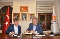 HAYATİ YAZICI - AK Parti Genel Başkan Yardımcısı Yazıcı, Trabzon AK Parti İl Başkanlığını Ziyaret Etti
