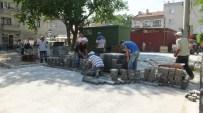 Belediyenin Taş Döşeme Çalışmaları Vatandaşları Sevindirdi.