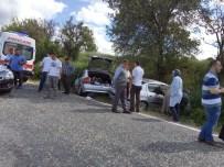2 Otomobil Kafa Kafaya Çarpıştı Açıklaması 1 Ölü, 2 Yaralı