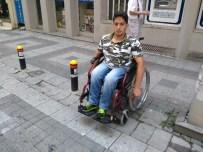 OMURİLİK FELÇLİLERİ - Engelli Vatandaşlar İçin Fotoğraflı Yardım Eli