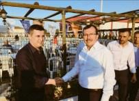 UĞUR AYDEMİR - Sarıgöl'de Son Toplu İftar AK Parti'den