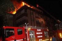 İBRAHIM PAŞA - Elazığ'da Yangın Paniği