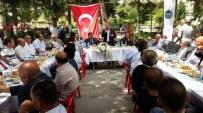 MURAT DURU - Develi'de Protokol Üyeleri Vatandaşla Bayramlaştı