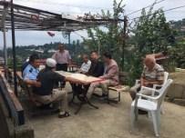 AHMET KARAKAYA - Şehit Yelkenci'nin Ailesine Bayram Ziyareti