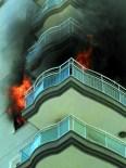 GIRNE - Efeler'de 9 Katlı Binada Çıkan Yangın Korkuttu