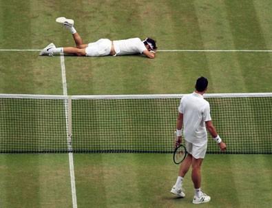 Wimbledon'da Federer elendi, Raonic finale yükseldi