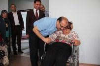 TUNCELİ VALİSİ - İki Vali Engelli Aileyi Sevindrdi