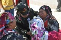 AKIF PEKTAŞ - Şehit Jandarma Er Doğan Kaya Gözyaşları İçerisinde Son Yolculuğuna Uğurlandı