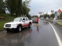 MAHSUR KALDI - AKUT'tan Selde Mahsur Kalan Sürücülere Yardım Eli