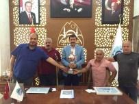 AMPUTE FUTBOL - Ampute Futbol Takımı Yöneticileri Eyyübiye Belediye Başkanı İle Bir Araya Geldi