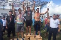 KAĞıTSPOR - Büyükşehirli Güreşçiler, Kürsüden İnmiyor