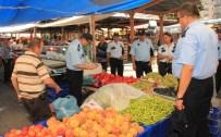 BELEDİYE ENCÜMENİ - Devrek İki Pazarcı Esnafının Tezgahı Kapatıldı
