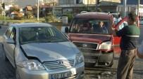 AHMET KARA - Gölbaşı İlçesinde İki Otomobil Çarpıştı