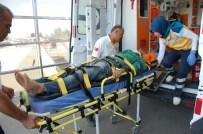 MEHMET CAN - Otomobil Tarlaya Uçtu Açıklaması 1 Ölü, 2 Yaralı