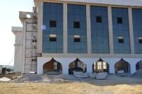 SINOP ÜNIVERSITESI - Sinop İlahiyat Fakültesi Binası Gün Sayıyor