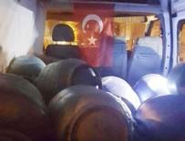 BOMBA DÜZENEĞİ - Tatvan'da bir minibüste 9 varil bomba ele geçirildi
