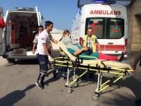 KILIMLI - Kontrolden Çıkan TIR'ın Dorsesi Halk Otobüsüne Çarptı Açıklaması 10 Yaralı