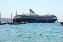 MALTA - Yaklaşık 3 Bin Turist Bodrum'a Akın Etti