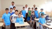 TÜRK DÜNYASI - Başkan Karaosmanoğlu, Yaz Okulunu Ziyaret Etti